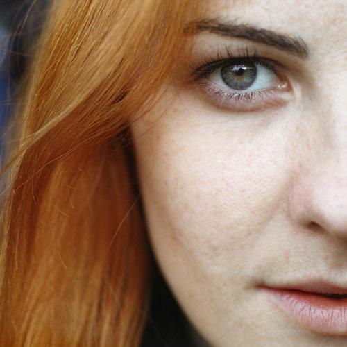 Natürliches Hydrolat und Gesichtsöl zum Reinigen und Abschminken - auch für junge Erwachsenen-Haut bestens geeignet.