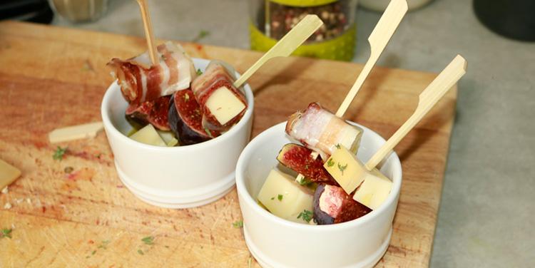 Käse Feigen Spieße mit Speck und Thymian